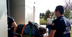 İnşaatta 5 metre yüksekten düşen işçi yaralandı