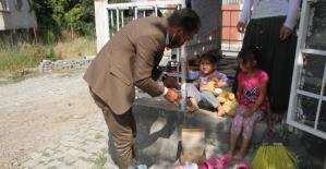 UMADER´den ihtiyaç sahiplerine yardım eli uzanıyor