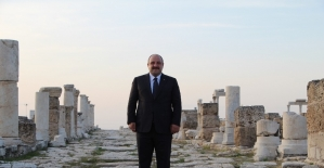 Bakan Varank, Denizli ziyaretini Loadikya Antik Kentinde gün batımına karşı tamamladı
