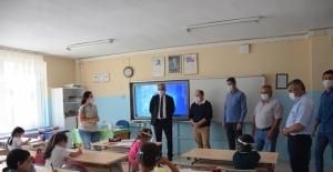 Başkan Yaman'dan yüz yüze eğitime bağlayan öğrencilere ziyaret