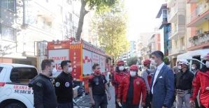 Başkan Yüksel, İzmir'de deprem bölgesinde incelemelerde bulundu