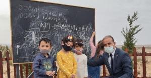 Hababam Sınıfı'ndaki sahne gerçek oldu, ormanda okul açıldı