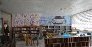 İlçe kütüphanesi okuma alışkanlığı kazandırıyor