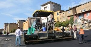 Şemdinli'de sıcak asfalt çalışması