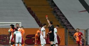 Süper Lig: Galatasaray: 1 - Aytemiz Alanyaspor: 1 (İlk yarı)