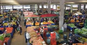 Aliağa'daki pazar yerinde korona virüsü denetimi