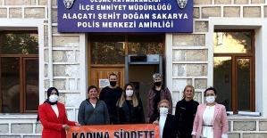 """Başkan Karataş: """"Şiddete maruz kalan hiçbir kadın yalnız değildir"""""""
