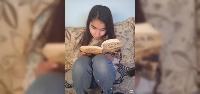Gözlerini kaybetmek istemeyen genç kız, kendisine uzatılacak yardım elini bekliyor