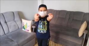 Küçük öğrencilerden sağlık çalışanlarına anlamlı klip