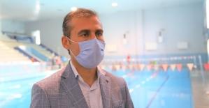 Öğretmenler Gününe özel yüzme eğitimi