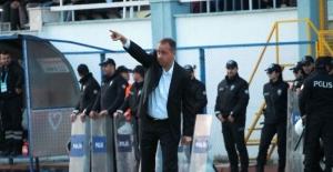 Selahaddin Dinçel, Üzülmez'e meydan okudu