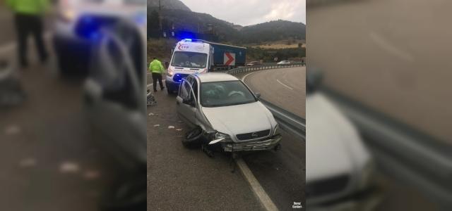 Eğirdir'de otomobil bariyerlere çarptı: 1 yaralı