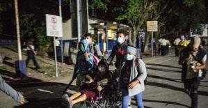 ABD'ye gitmek üzere yaklaşık 5 bin Honduraslı göçmen Guatemala'ya ulaştı