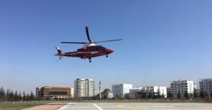 Felç geçiren hasta hava ambulansı ile şehir merkezine getirildi