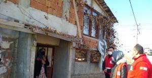 Kastamonu Türk Kızılayı'ndan karantinadaki ailelere gıda yardımı