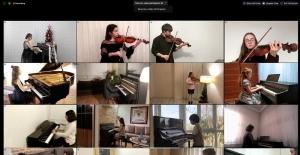 Minik müzisyenlerden evde konser ziyafeti