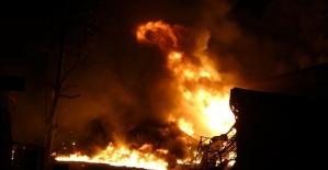 Samsun'da sanayi sitesinde iş yerleri alev alev yanıyor