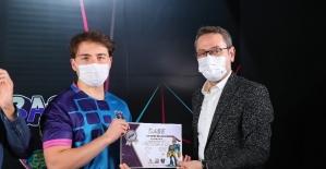 Başakşehir Espor Merkezi ilk mezunlarını verdi