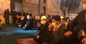 (Düzeltme) Necmettin Erbakan vefatının 10. yılında Ayasofya Cami-i Kebir'de dualarla anıldı