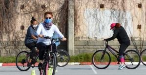Muratpaşa'da temel bisiklet sürüş eğitimleri devam ediyor