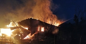 Sobadan çıkan yangın ahşap evi...