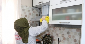 Sultanbeyli'de Şefkat Eli projesi kapsamında 641 bin TL bütçeyle 2 bin hane temizliği ve yüzlerce tadilat gerçekleştirildi