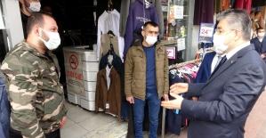 """""""Çok yüksek riskli"""" Osmaniye'de vali sahaya indi vatandaşı tek tek uyardı"""