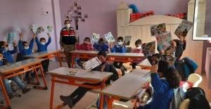 Jandarmadan öğrencilere eğitim semineri