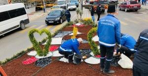 Soma'da yeşil alanlar ve caddeler peyzaj çalışmalarıyla yenileniyor