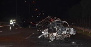 Otomobilin çarptığı kamyonet alev aldı:...