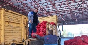 Sincan'da patates ve soğan dağıtımına başlandı