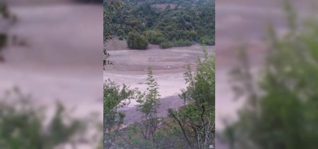 Feke ve Saimbeyli'de şiddetli sağanak sele neden oldu