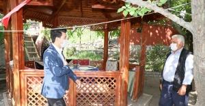 Kaymakam Akduman ve Başkan Çay'dan şehit ailelerine ziyaret