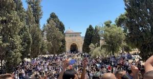 Mescid-i Aksa'da Cuma namazına 20 bin Filistinli katıldı