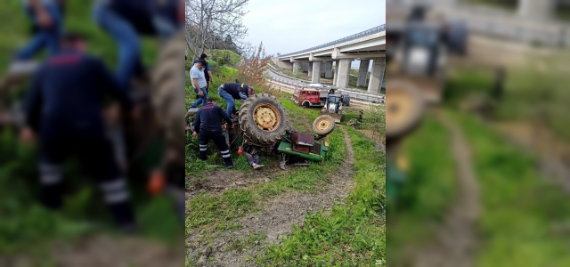 Sinop'ta devrilen traktörün altında kalan  yaşlı adam hayatını kaybetti