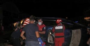 Fethiye'de iki otomobilin çarpıştığı...