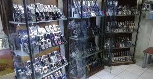 Eski cep telefonlarından 500 bin liralık koleksiyon