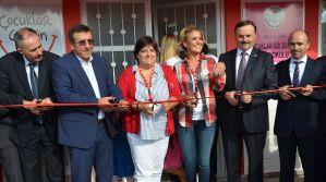 Gülben Ergen, Soma'da anaokulu açılışı yaptı