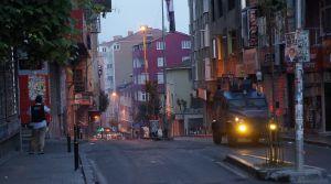Okmeydanı'ndaki izinsiz gösteriye polis müdahalesi