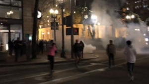 Trump karşıtı ABD'li halk sokağa döküldü